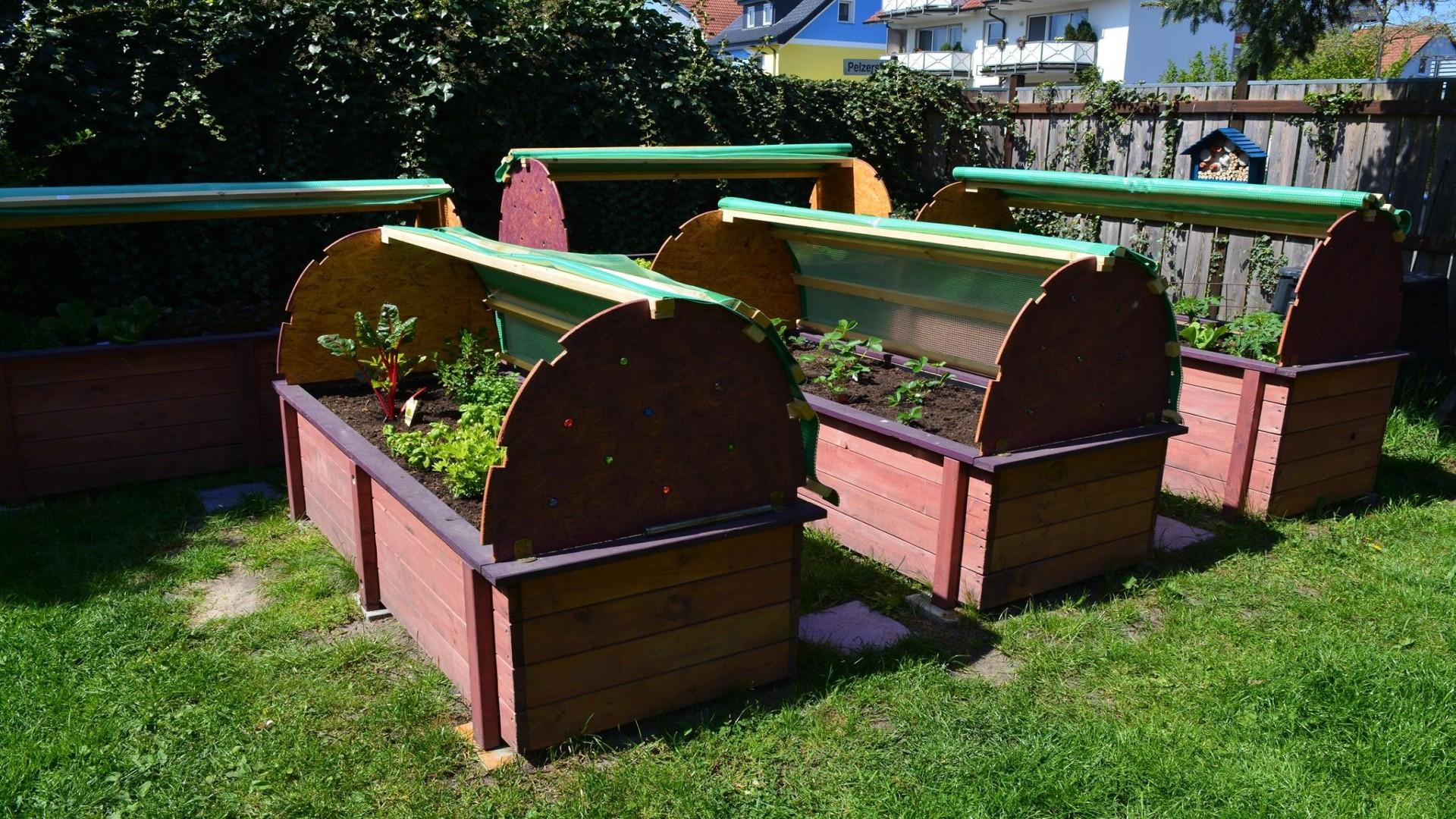 Terrassen Und Gartenmobel Lasur Holzlasuren Holzpflege Baufix